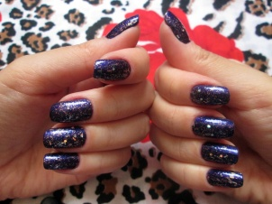 UNHAS DA SEMANA - VIOLETA COM LUMINOUS