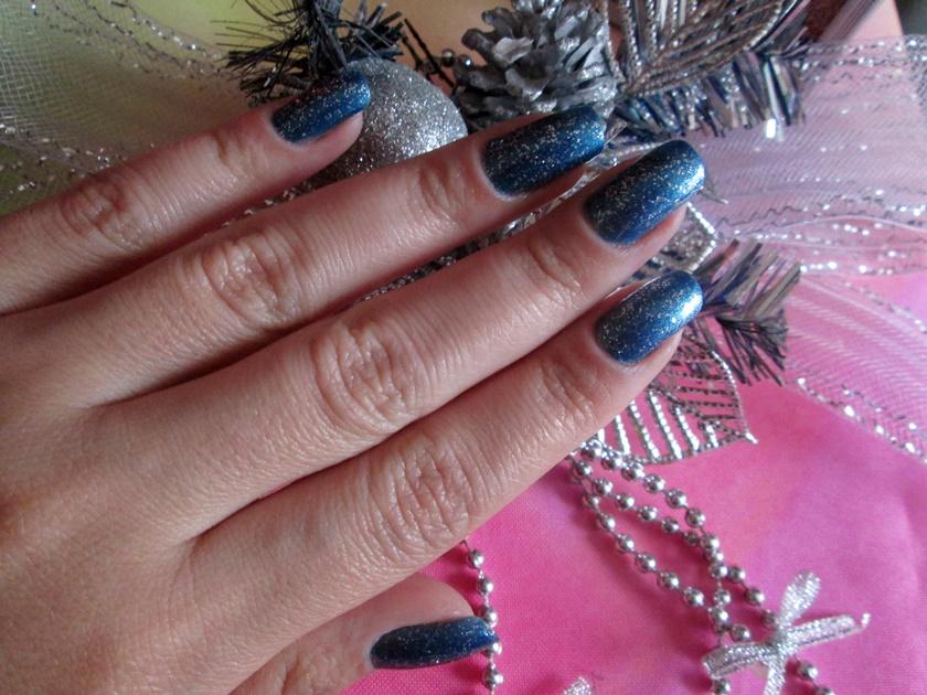 Unhas para o Ano novo  azul -esmalte Lorrac-Luana-Avon prata glitter- Blog Dikas e diy