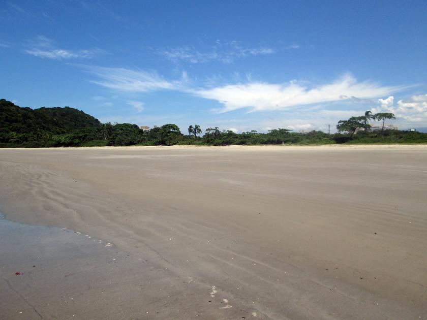 Fotografia - Fotografando-praia- mar-pedras-árvores-nuvens-Blog Dikas e diy